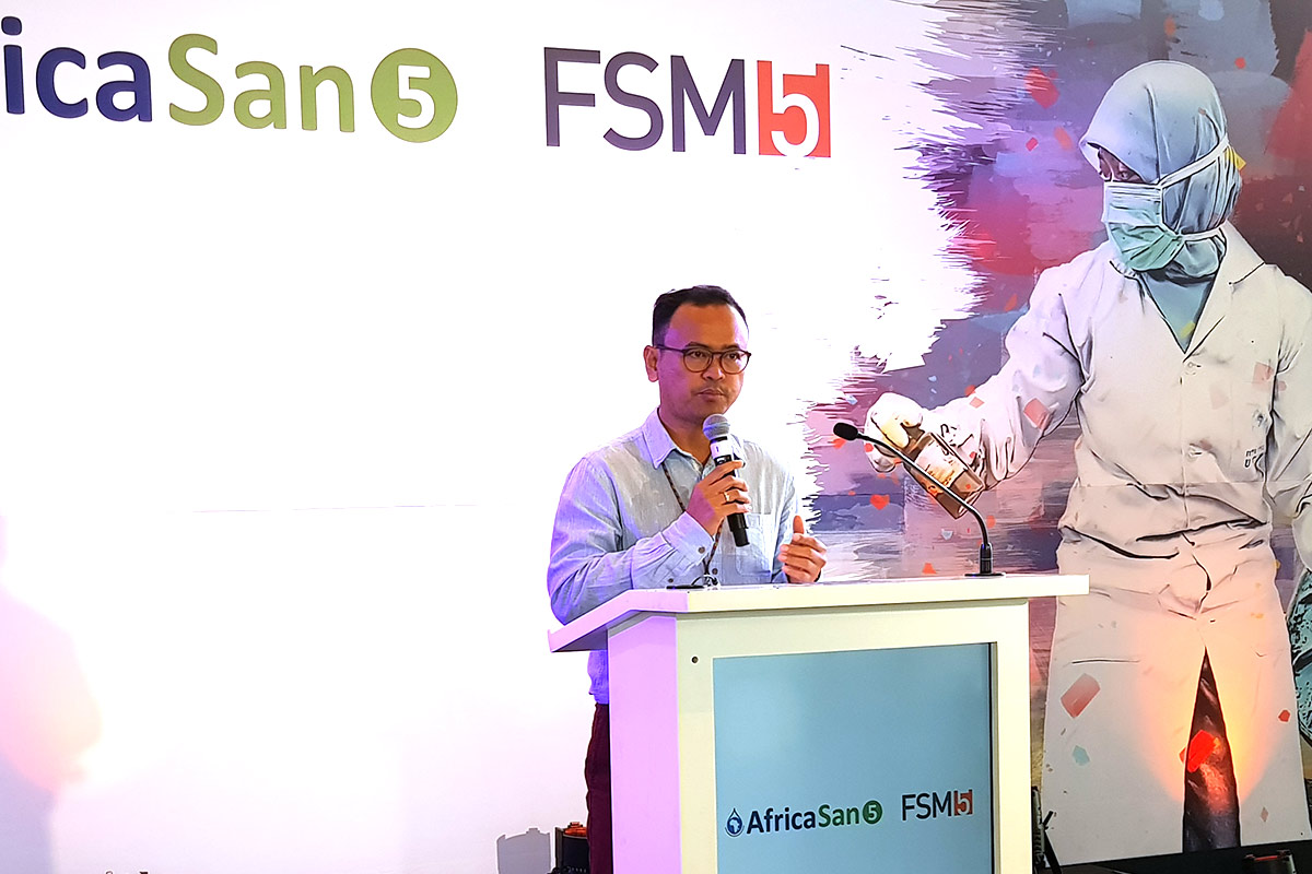 FSM5/AfricaSan5: AIT testing centre launch - BORDA project manager Hendra Gupta
